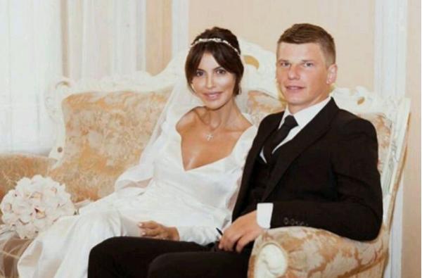 Казьмина удалила все свадебные фото с Аршавиным из Instagram