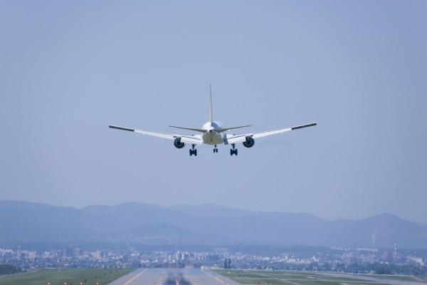 Задымившийся «Боинг-737» благополучно сел во «Внуково»