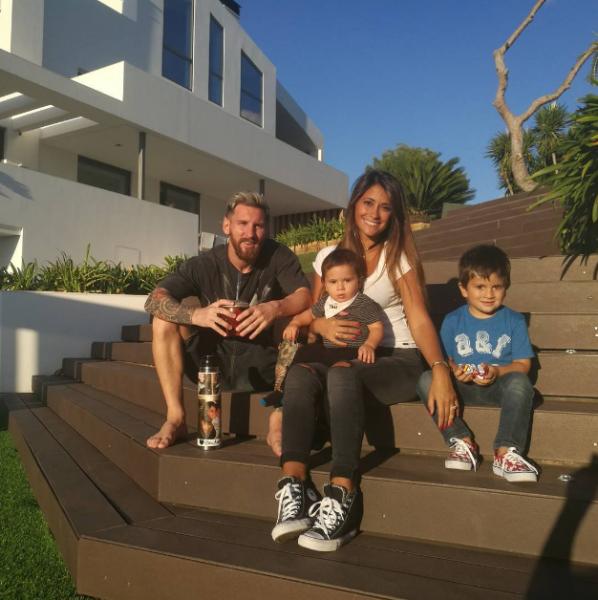 Супруга Лионеля Месси сообщила о своей беременности