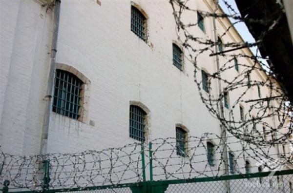 В российские тюрьмы стали реже попадать запрещённые предметы