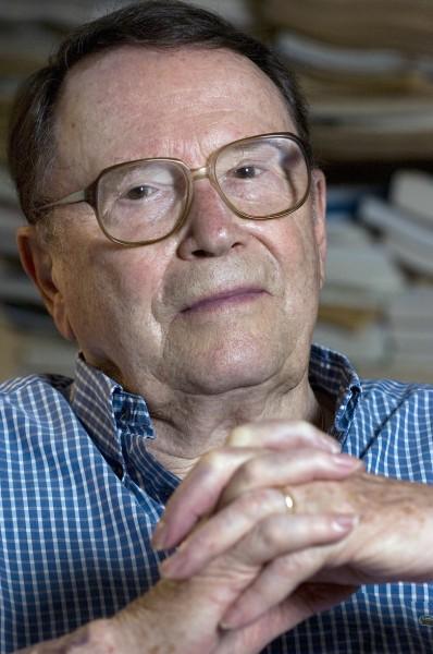 В штате Массачусетс умер поэт и переводчик Ричард Уилбер
