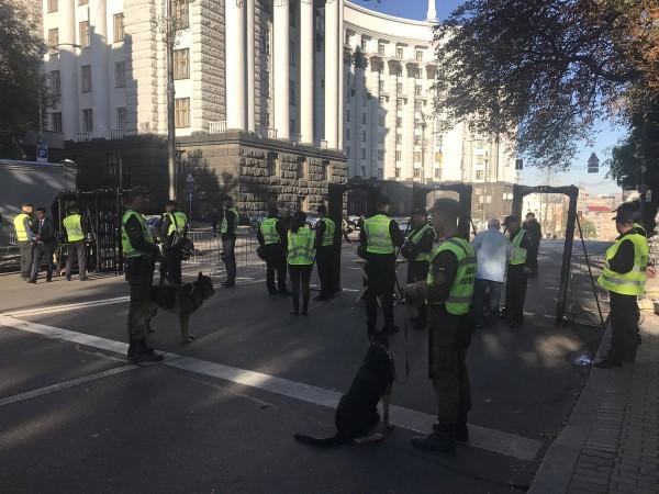 В Киеве заблокировали проезд по центральным улицам из-за митинга Саакашвили