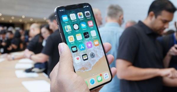 Apple отправила поставщикам первую партию iPhone X
