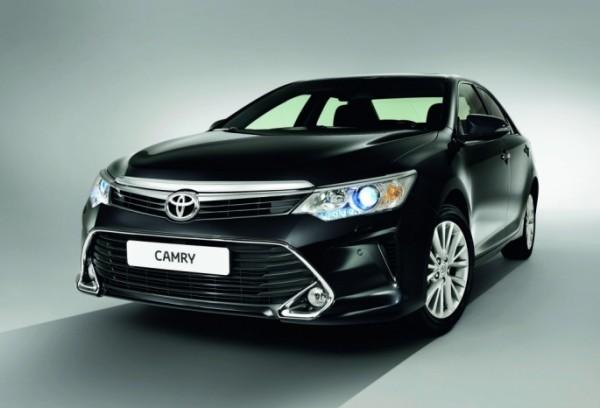 Глава Знаменского района Омской области будет ездить на новой Toyota Camry