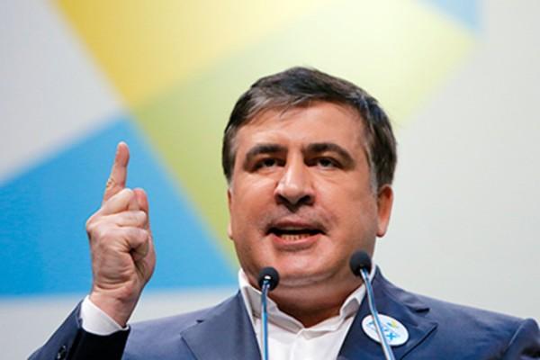 В Киеве на митинге Саакашвили призвал Порошенко уйти в отставку