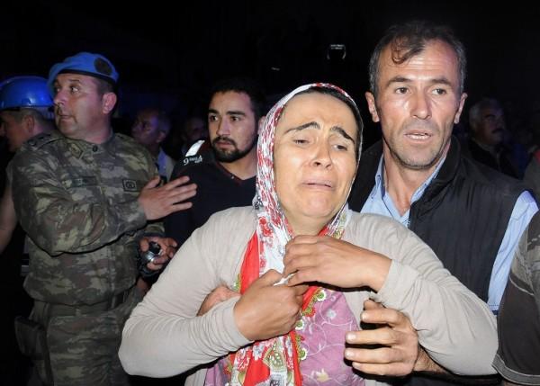 Число жертв обвала на нелегальной шахте в Турции достигло шести