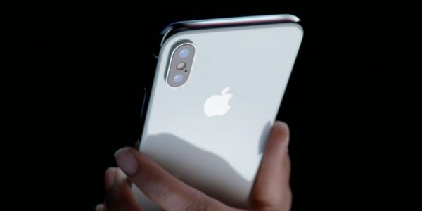 Новый iPhone X протестировал самостоятельно экс-сотрудник Apple