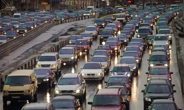 В Петербурге на юге КАД две полосы перекрыты до 15 декабря