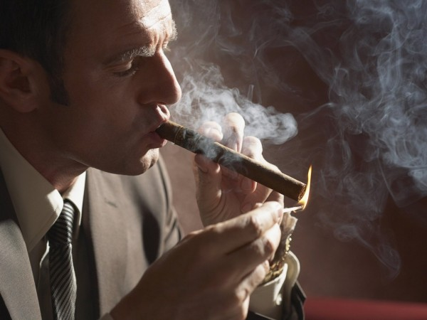 Минздрав увеличит количество мест, где запрещено курить