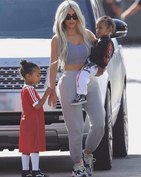 Ким Кардашьян показала повзрослевших детей