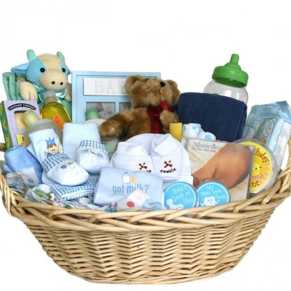 Минтруд РФ предлагает выдавать бесплатные наборы новорожденным