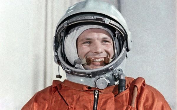 В Казахстане в космическом центре установили бюст Юрия Гагарина