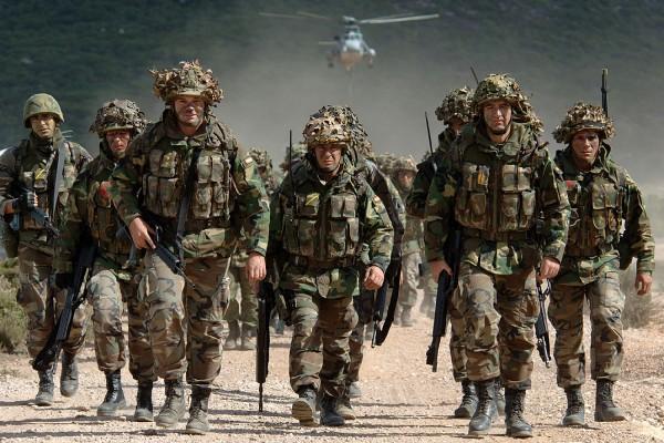 Spiegel: НАТО не сможет дать отпор России