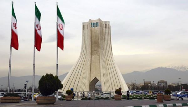 МИД Ирана: Страна не будет производить ядерное оружие