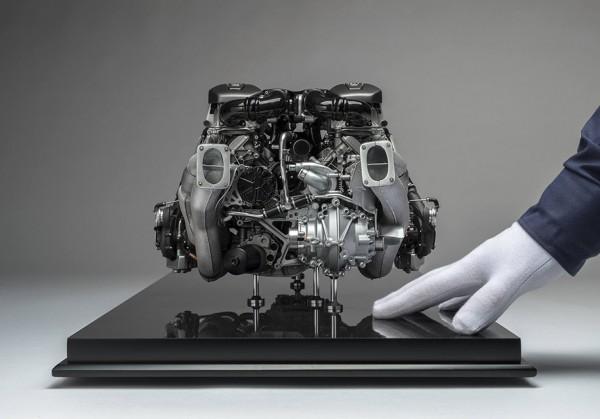 Мотор Bugatti Chiron в масштабе 1:4 оценили в 10 тыс. долларов