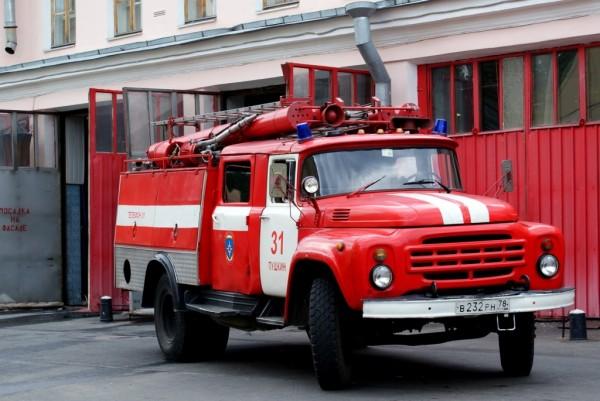 В Армавире ликвидировали пожар на заводе гофротары