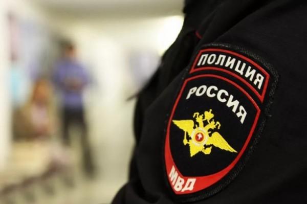 В Москве возле школы нашли труп неизвестного мужчины