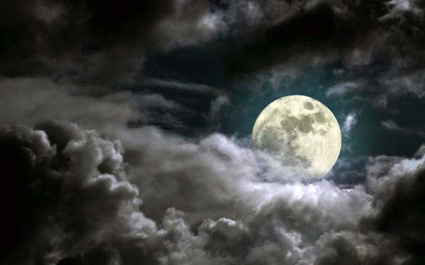 Ученые доказали связь фаз Луны и появление гроз на Земле