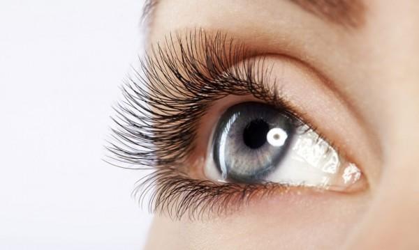 Ученые выяснили, что искусственные ресницы вредны для здоровья глаз