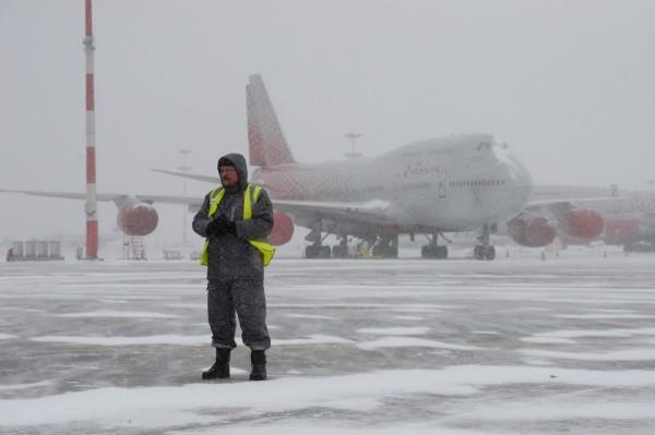 В Сыктывкаре аэропорт возобновил работу посте экстренной остановки