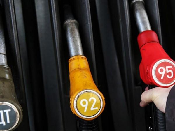 В Уфе бензин АИ-92 подешевел до критической отметки