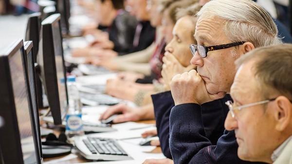 В Татарстане повысили граничный возраст госслужащих до 70 лет