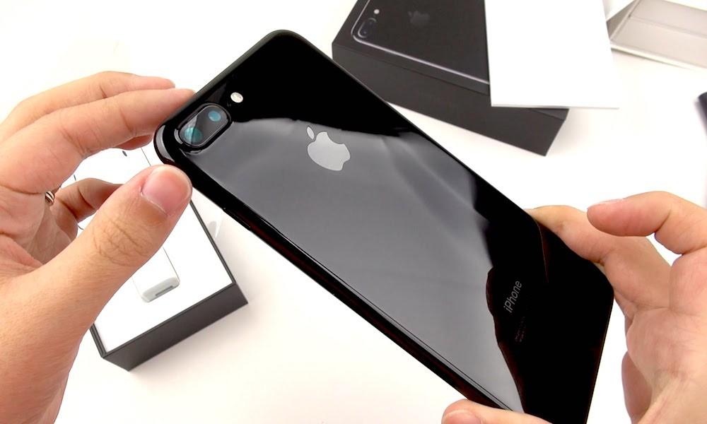 1509538137 ayf Челябинская студентка преподаватель разделась ради iPhone: вглобальной сети появилось видео