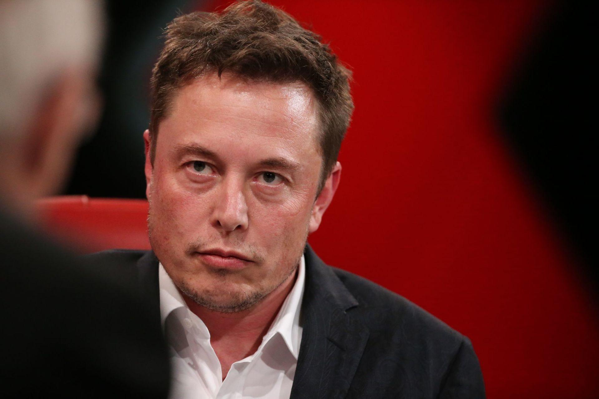 Forbes оценил убытки Илона Маска при падении котировки акций Tesla