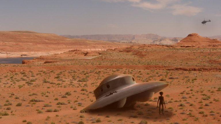 Впустыне Сахаре турист зафиксировал НЛО стелепортирующимеся пришельцами