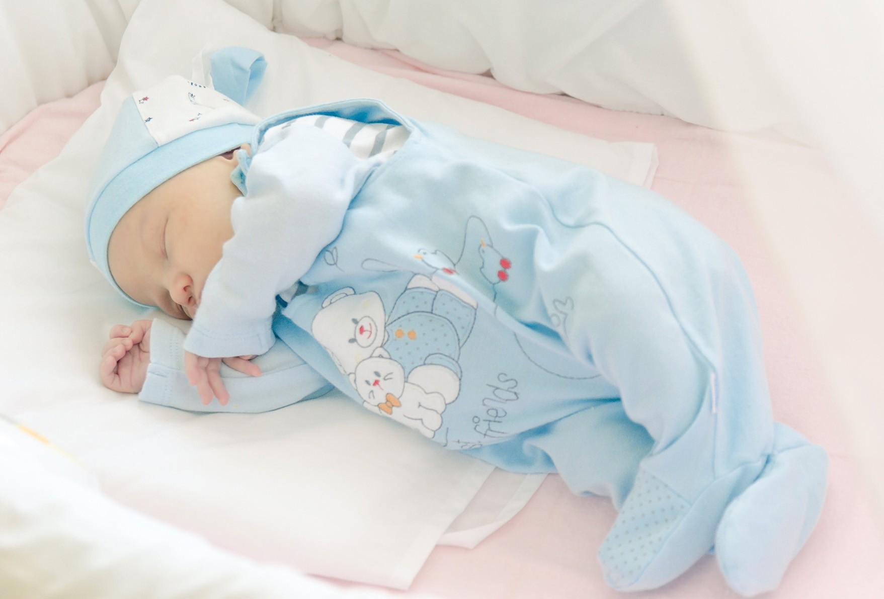 Как должен спать новорожденный ребенок, как правильно его 52