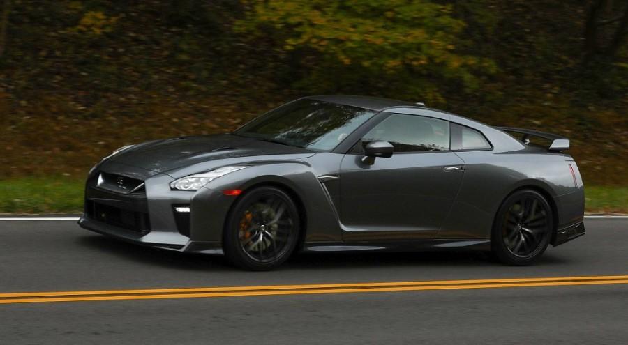 Nissan GT-R получает более доступную версию. Базовую версию