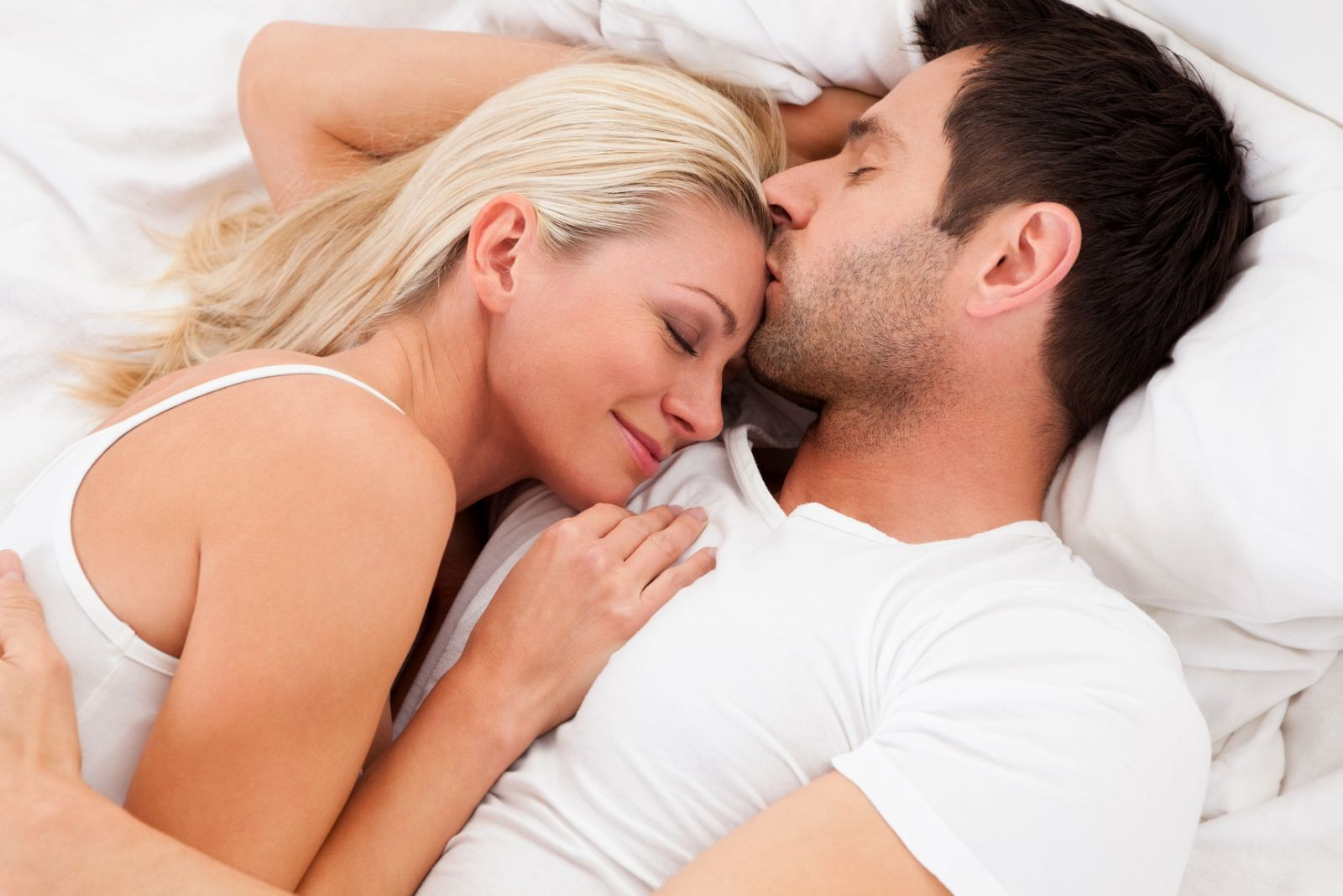 Первые люди занимаются сексом