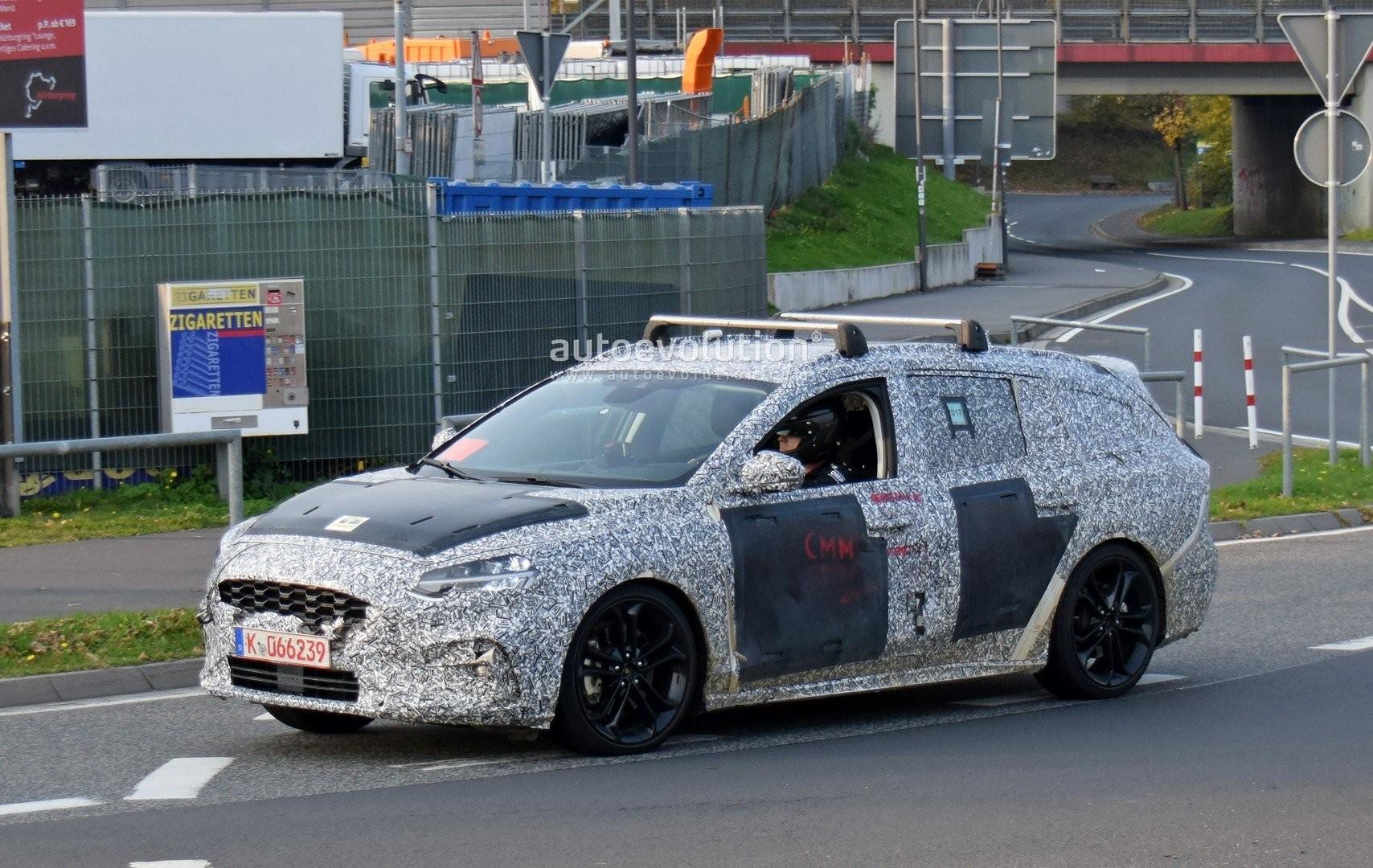 ВНюрбургринге замечен новый Ford FocusST вкузове универсал class=