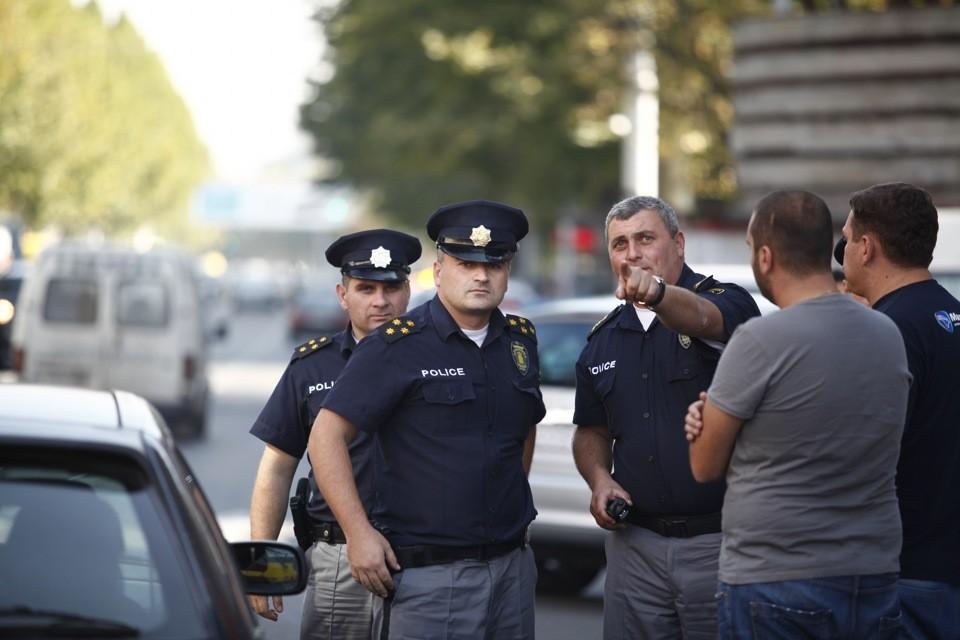 Новости: В Грузии напали на машину с российскими туристами