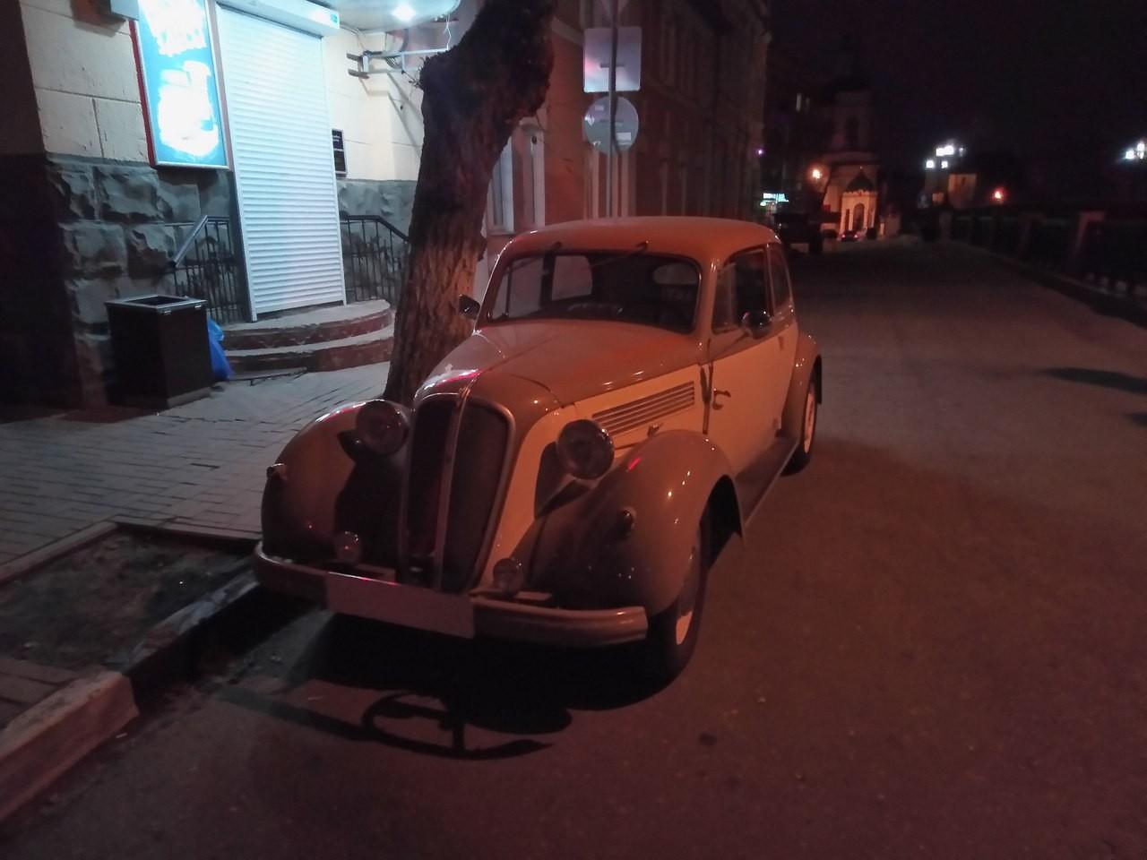 На дорогах Воронежа замечен гангстерский автомобиль