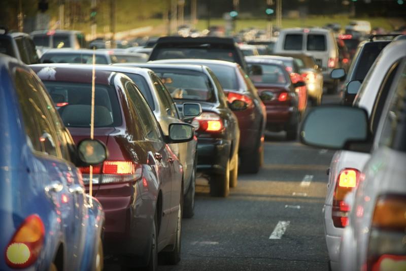 На19-м кмМосковского шоссе из-за происшествия надороге создалась внушительная пробка