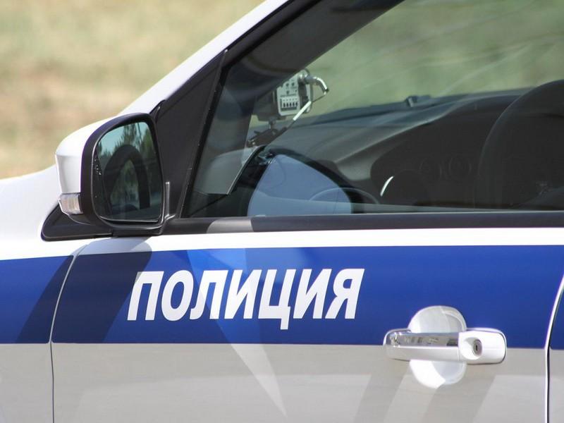 Шофёр ВАЗа скончался наместе при столкновении сприпаркованным «Мерседесом»