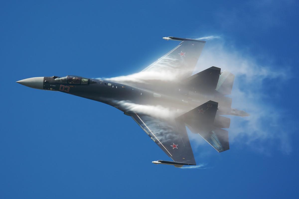 «Ростех»: в русском боевом самолете Су-35 есть искусственный интеллект