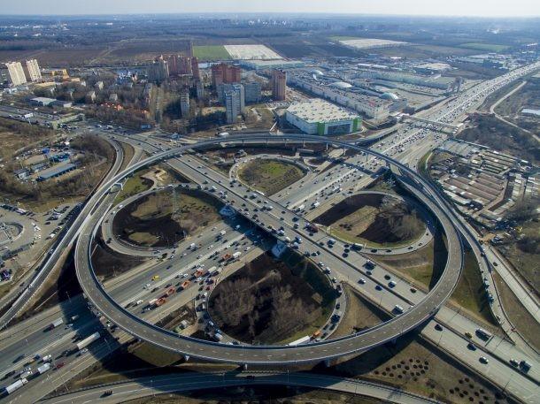 Московские власти  планируют реконструировать 10 развязок наМКАД вближайшие годы