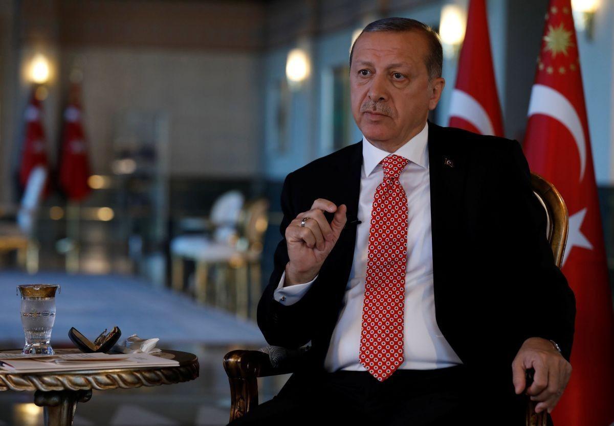 Эрдоган призвал РФ иСША вывести войска изСирии