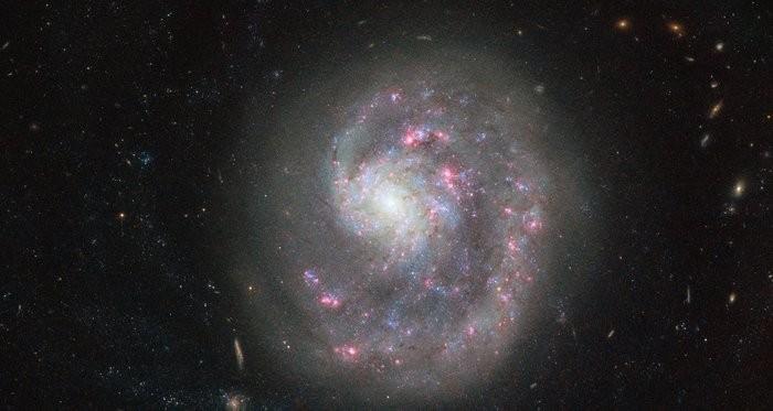 Ученые назвали древнейшую изизвестных спиральных галактик