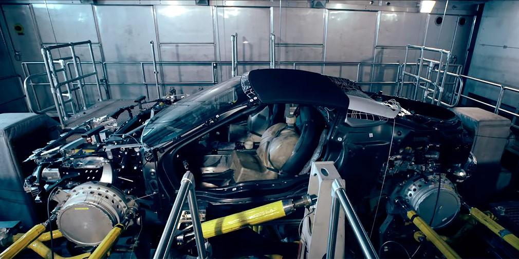 BMW представила навидео процесс производства серийного родстера BMW i8