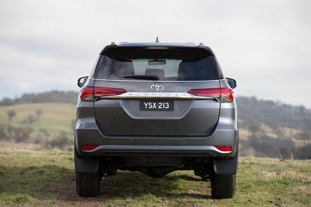 Тоёта представила вседорожный автомобиль Fortuner Crusade 2018 модельного года