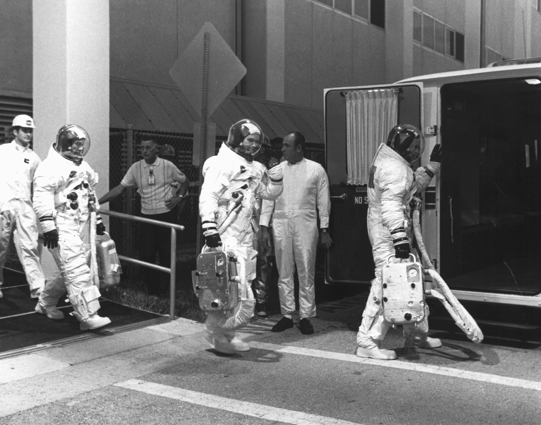 living apollo astronauts - HD2221×1744