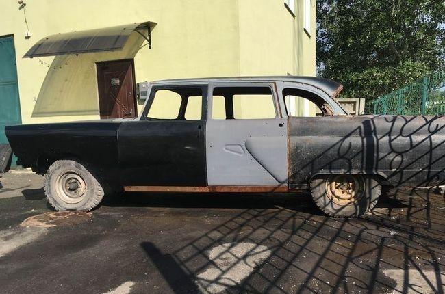 ВУкраинском государстве выставлен на реализацию редчайший ГАЗ-13 «Чайка» 1975 года