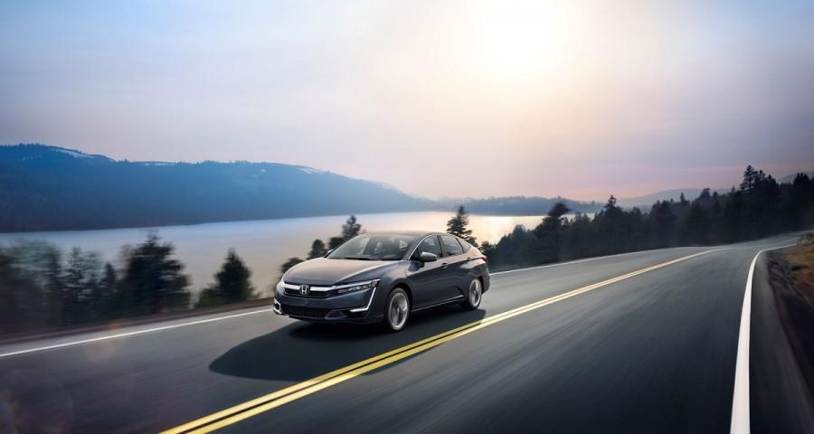 Новый седан Хонда Clarity Plug In-Hybrid оценили в $33 400