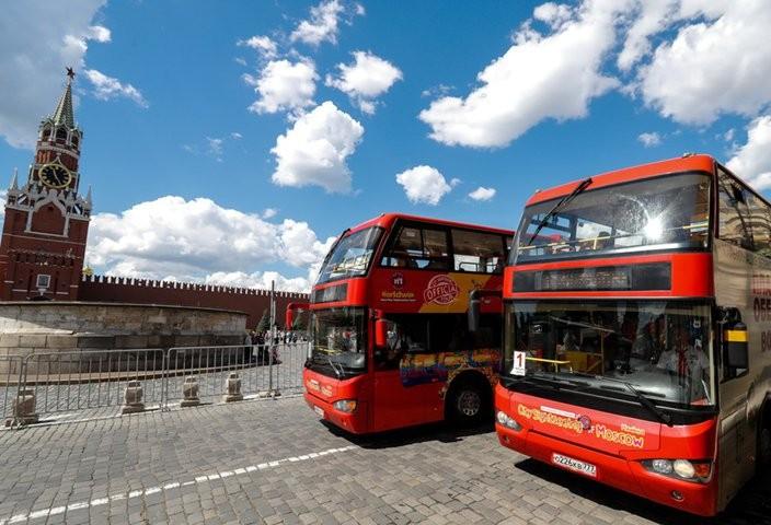 Места для туристических автобусов появились на 2-х дорогах района