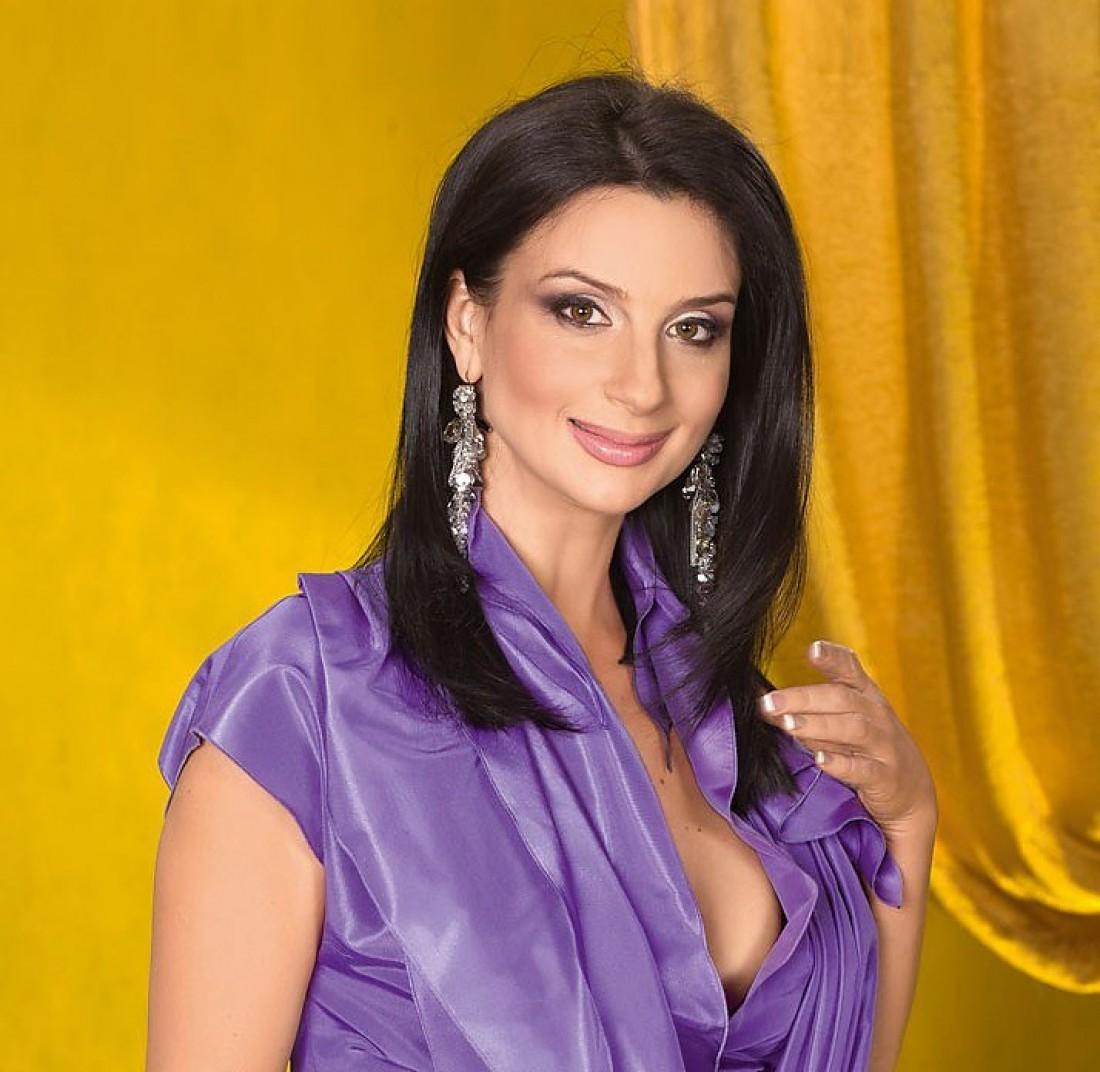 Екатерина Стриженова неможет выйти издома из-за «уколов красоты»
