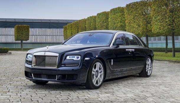 Rolls-Royce посвятил Ghost каллиграфии