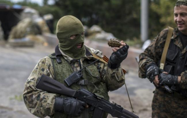 Центр Луганска перекрыт: строение МВД превратилось вбаррикады отставного министра